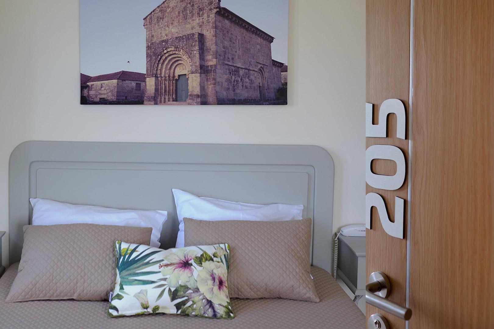 http://www.hotelospoetas.com/wp-content/uploads/2018/03/2211CPAA3185_6_7_tonemapped.jpg